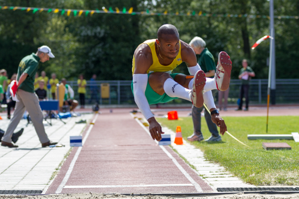 Athlete - Mens Triple Jump (Hink-Stapspringen). Nederlands Kampioenschap Teams Senioren 2013